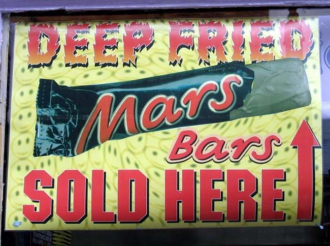 Deep-fried-Mars-bar-in-Scotland-sign